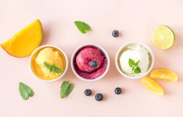 Helados artesanos que contienen frutas de verdad y no aromas ni colorantes